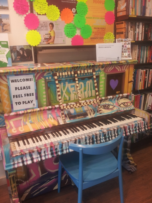 Celebrate autumn 2015 with a bit of music. You can play the piano at Oxfam Books, 48 Upper Street; enjoy the free organ concerts at Union Chapel or listen to the voices of Islington Music Centre playing at a gig on Saturday 17 October.