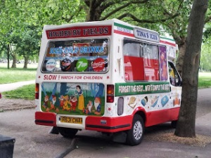 Tina's Ices parked near Highbury Fields playground. You can just see the electric cable that makes it the cleanest and quietest ice cream van in the borough.