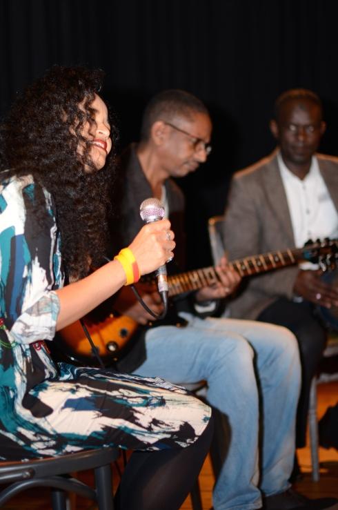 Hanisha Solomon and band. Photo by Vicky Ryzhykh.