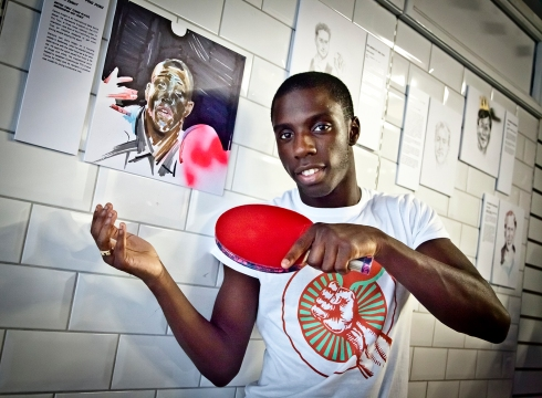 The player is professional british table tennis player Darius Knight.