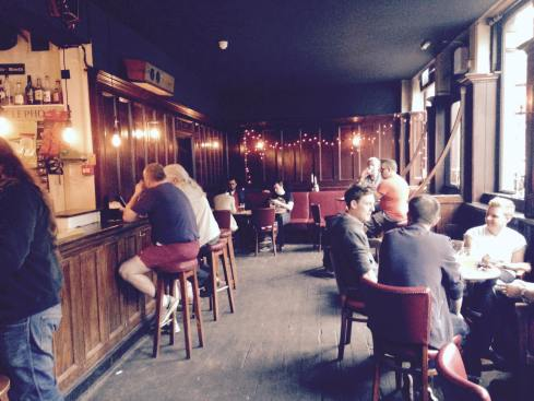 The Lamb Beer & Liquor looking towards the bar. The pub has been a Holloway Road local since XX. (c) Ade Clarke