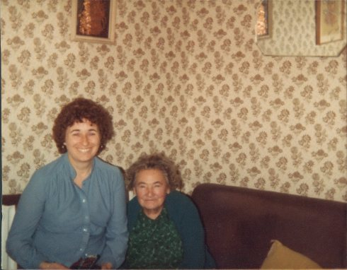 Mid 1980s: Ivy visits her Mum in Islington.