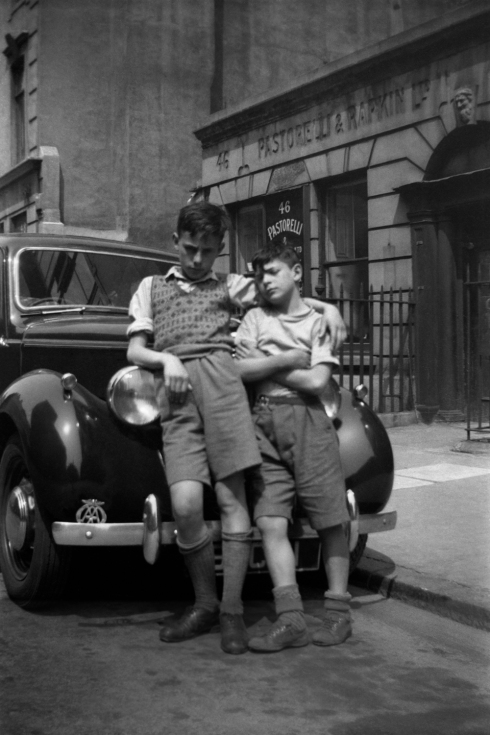 Raymond Scalionne and Razzy in Hatton Gardens, in the lost borough of Finsbury. This photo was taken by Colin O'Brien when he was eight years old. (c) Colin O'Brien