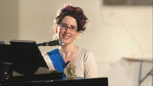Alicia Montplaisir performing. (c) alicia montplaisir